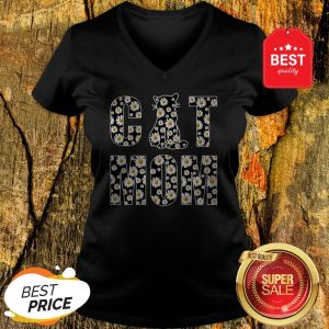Good Cat Mom Daisy Flowers V-neck