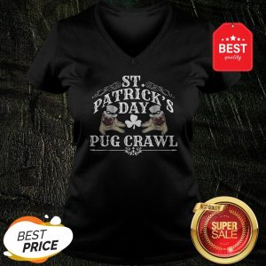 Nice St Patrick's Day Dog Pug Crawl for Dog Lovers V-neck