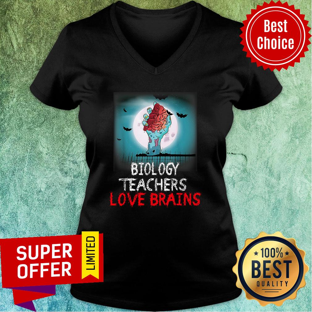 Nice Biology Teachers Love Brains Novelty Halloween V-neck