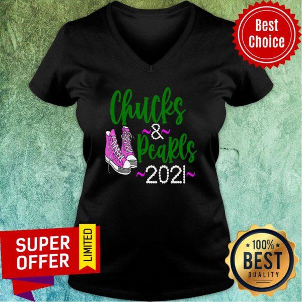 Nice Chucks and Pearls Crewneck 2021 Sneaker V-neck