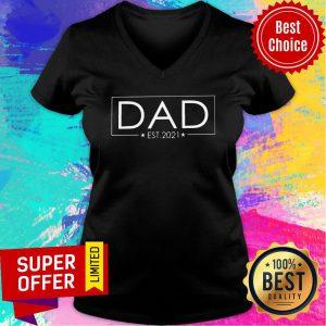 Awesome Dad Est 2021 V-neck